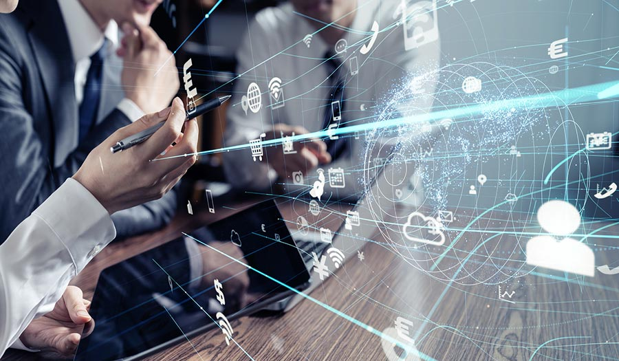 オンライン商談とは、コミュニケーションツールを使ってオンラインで商談を行う新しい営業手法