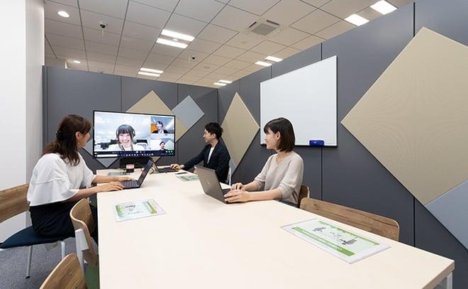 TOKYOテレワーク・モデルオフィスの会議室