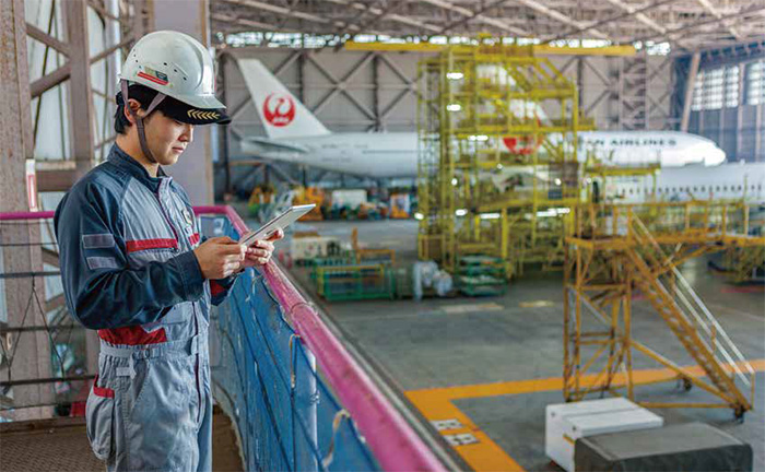 JALの整備士がコミュニケーション基盤を刷新した理由