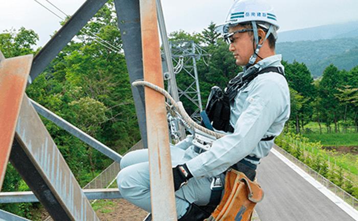 電力インフラを支えるプロフェッショナルの働き方がドローンとスマートグラスで変わる 岳南建設の挑戦