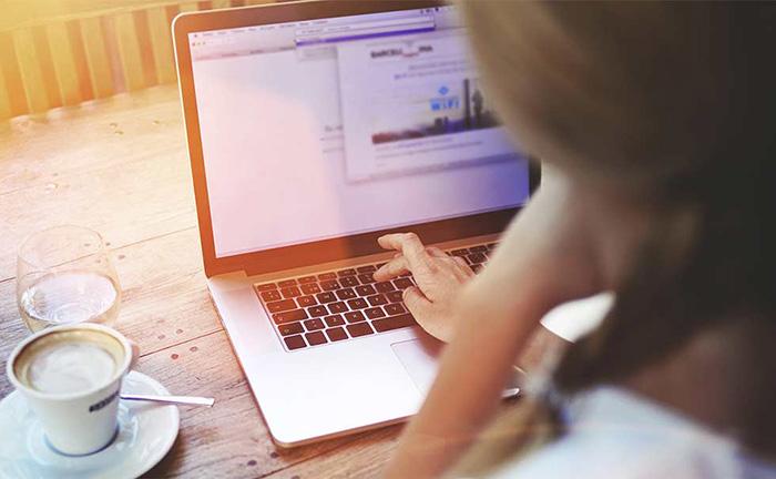Web会議での情報共有「PC画面共有」のメリットとは?