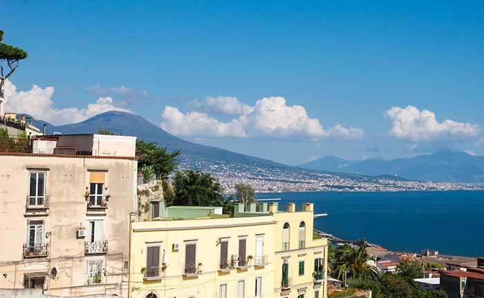パートナーの海外赴任をきっかけにイタリアでリモートワークに挑戦した話