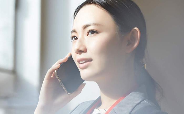 【5分で理解】電話会議とは?メリットやおすすめの機器、導入手順を解説