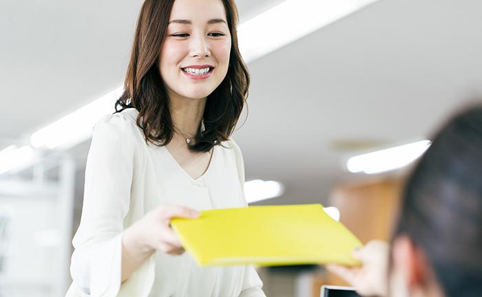 業務マニュアルの作成手順・運用ポイントを解説!ツール活用で業務効率化へ