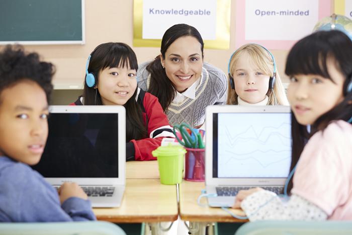オンライン授業とは?メリットと導入の注意点、おすすめツールを紹介【2020年8月最新】